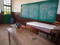 embroidery-classroom-at-tanjomoha